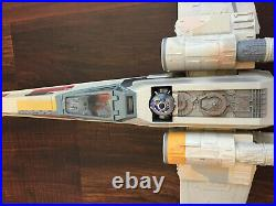 Hasbro 2011 STAR WARS X-Wing Fighter Death Star Trench Run with Luke & R2