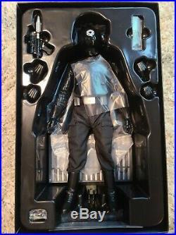 Hot Toys Death Star Gunner MMS 413 Star Wars pre-own minty