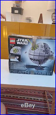 LEGO Star Wars Death Star II (10143) New, Exterior Torn but perfect Inside