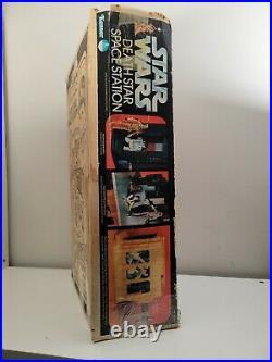 Star Wars Kenner DEATH STAR SPACE STATION 38050 with Original Box 1978