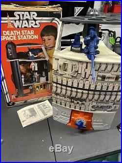 VINTAGE STAR WARS 1977 DEATH STAR STATION PLAY SET WITH BOX & Instructions